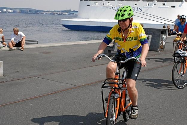 John fra Pennsylvania, USA, i den gule førertrøje, var begejstret over at opleve lidt af Aalborg fra en cykelsadel. Foto: Ole Skouboe