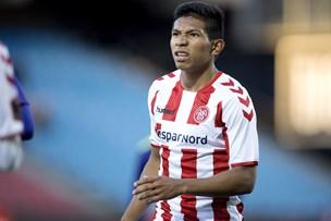 Mens AaB-spillerne sveder på træningsbanen: Det laver Flores i Peru