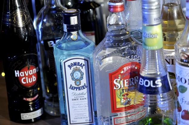 Nordjyske virksomheder politianmeldt: Skolebørn serverede spiritus