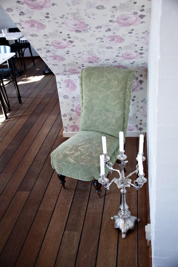 Stilen på Café Bedste i Nibe er ganske særlig.