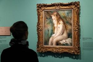 Italiens politi har fundet to milliondyre malerier, som en gruppe tyve franarrede kunsthandlere i 2017.
