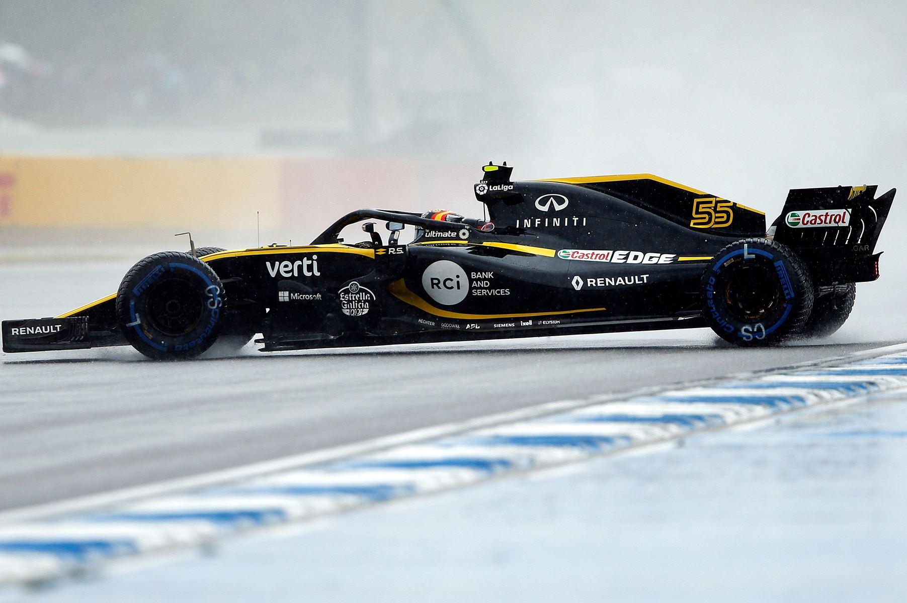 Kun ni af Formel 1-feltets kørere fik sat en tid under den sidste, regnvåde træning i Tyskland.