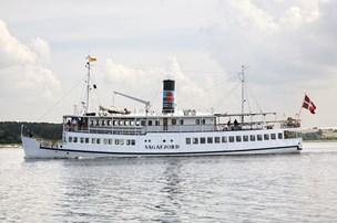 Skib stødt på grund i fjord - 130 gæster evakueres