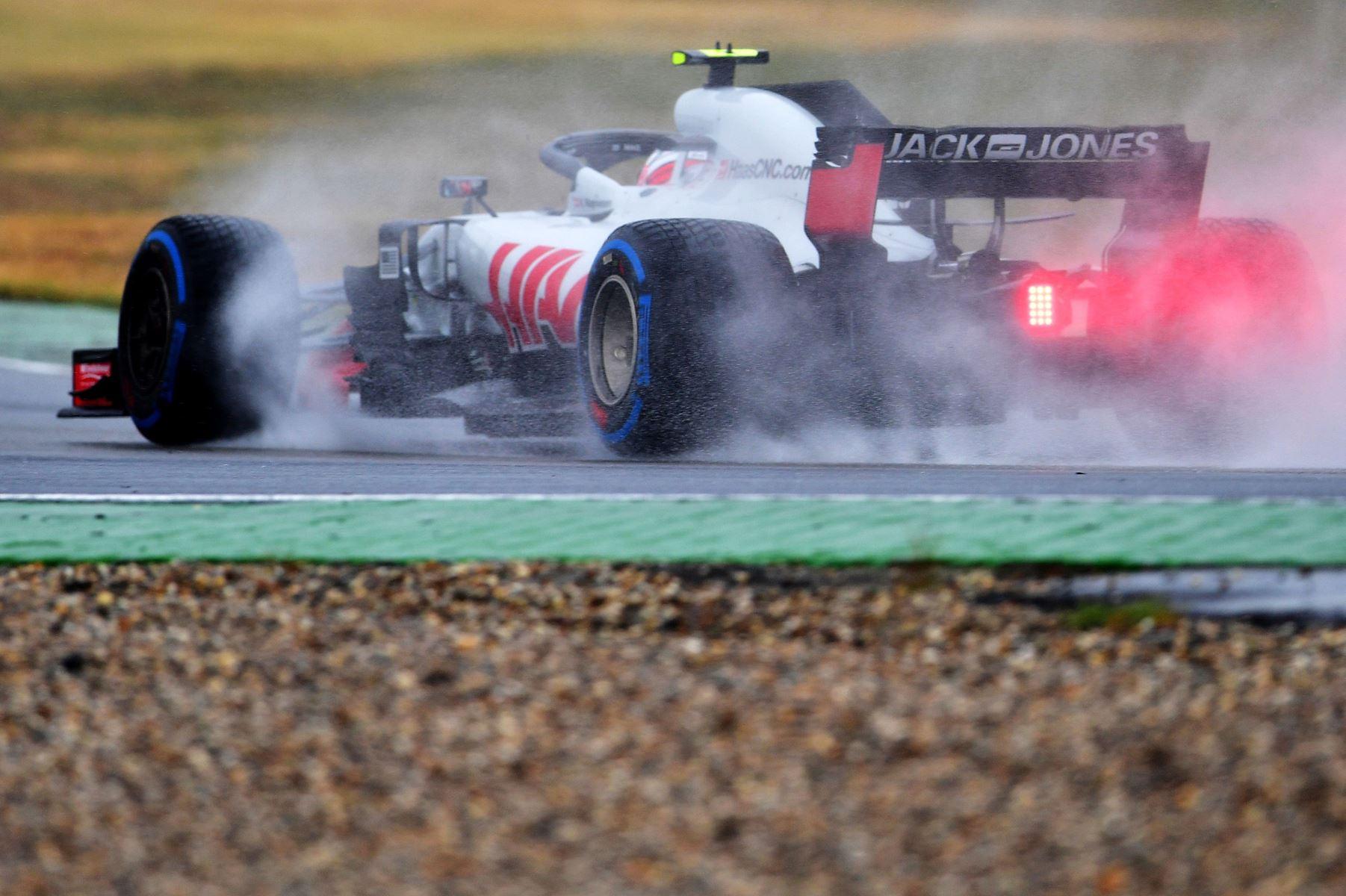 Haas-danskeren Kevin Magnussen begynder søndagens grandprix på Hockenheim-banen som nummer fem.