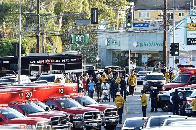Kvinde dræbt under gidseldrama i supermarked i Los Angeles
