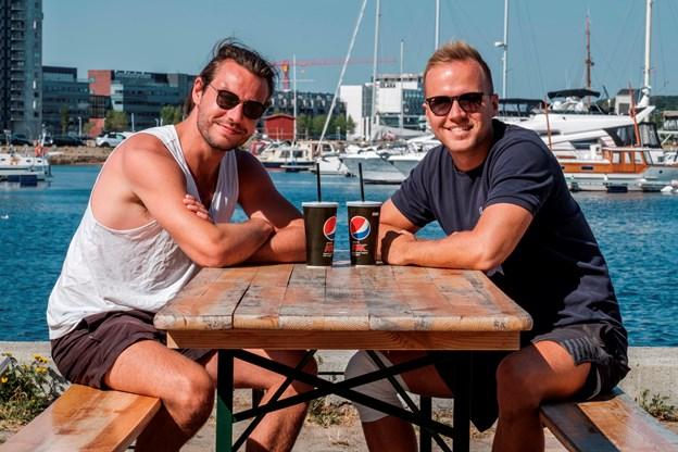 Her ses venneparret Jesper Lund og Mikkel Andersen.