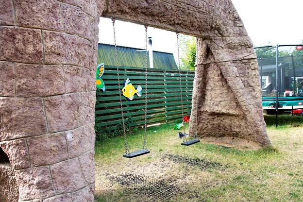 Legepladsen er konstrueret efter alle kunstens regler af en af stedets beboere.