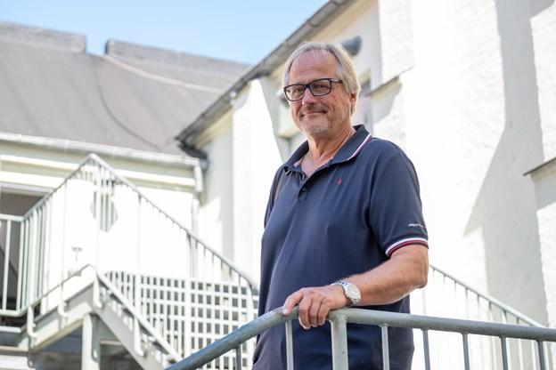 Skuespiller Jørgen W. Larsen er en af dem, der har været helt væk fra skuespillet i sin ferie, for han har sejlet.