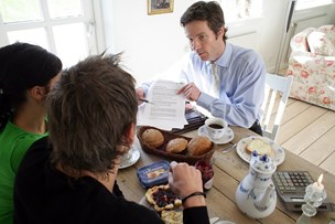 Danskere hyrer i stigende grad private socialrådgivere til deres sag i kommunen