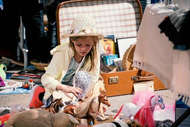 Der er mange børn, der kommer og sælger ud af deres legetøj. Foto: People of Aalborg