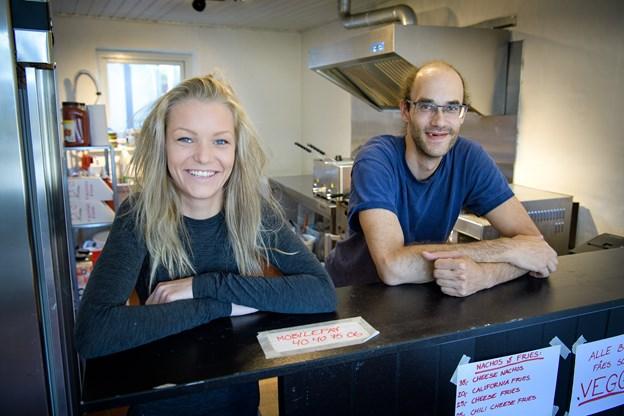 Selina Frederiksen og Dieko Offord vil i fremtiden tage sig af Wayne's World en uge hver ad gangen.