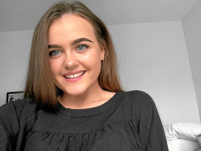 12. september deltager Mia Mosbæk i skønhedskonkurrencen i København. Og den 158 centimeter høje model har en mission
