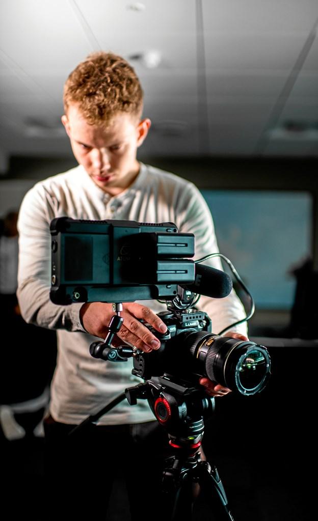 De to filmmagere nyder at kaste deres kreativitet ind i projekterne og stortrives med at ideudvikle på opgaverne.