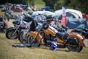 Motorcyklist død efter ulykke med flyvende teltpløk