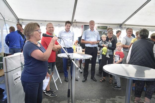 Fredag var der reception ved Tårshallen, hvor Sparekassen Vendsyssel bød på forfriskninger, mens hallen var vært ved en omgang tapas. Foto: Bente Poder