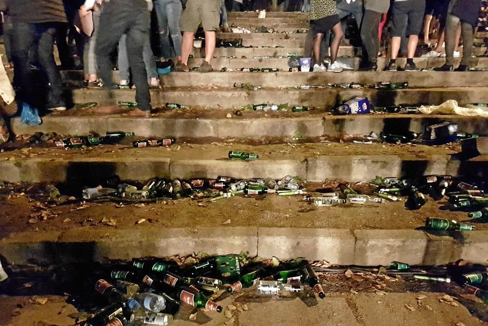 Skovdalen flød med tomme flasker og gjorde det utrygt at være der, mener Jens Michno.Privatfoto