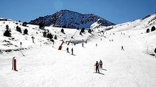 Sæt dig i flyet og spænd skiene på i Andorra