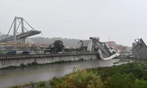 30 dræbt da motorvejsbro kollapsede i Italien