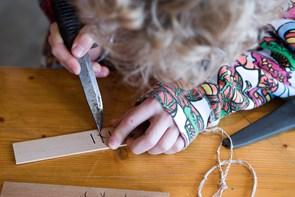 Runer og fægtning: Vikingeværksted for børn