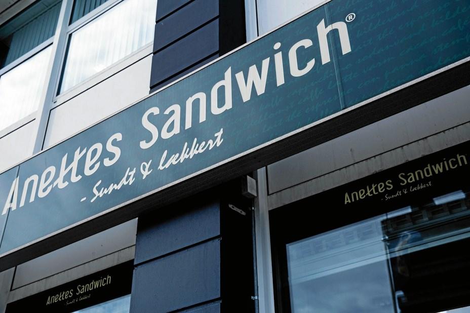 Vildt åbningstilbud: Anettes sælger sandwich til én krone