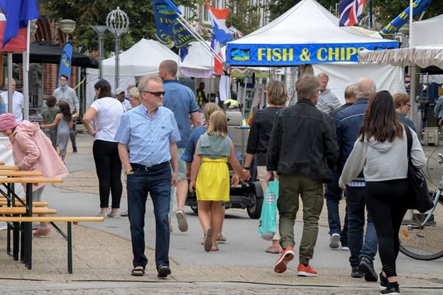 Markedet siger farvel og tak og pakker boderne sammen lørdag eftermiddag.Foto: Henrik Louis