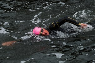 Se fotos: 300 svømmere krydsede Limfjorden