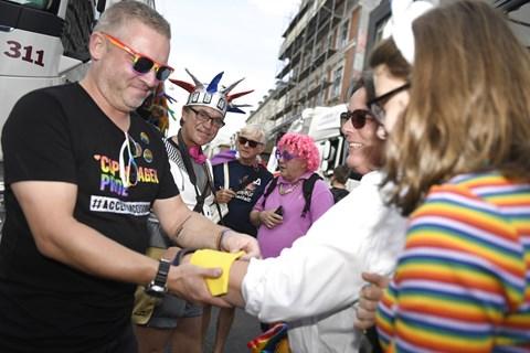 Det ventes, at omkring 40.000 deltager i paraden i København lørdag. Sidste år deltog op mod 25.000.