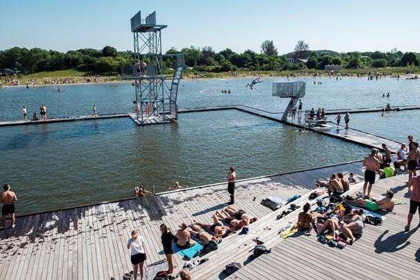 På med badetøjet: Vestre Fjordpark er åben igen