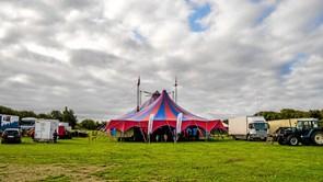 Cirkusløjer hos Scandi Byg