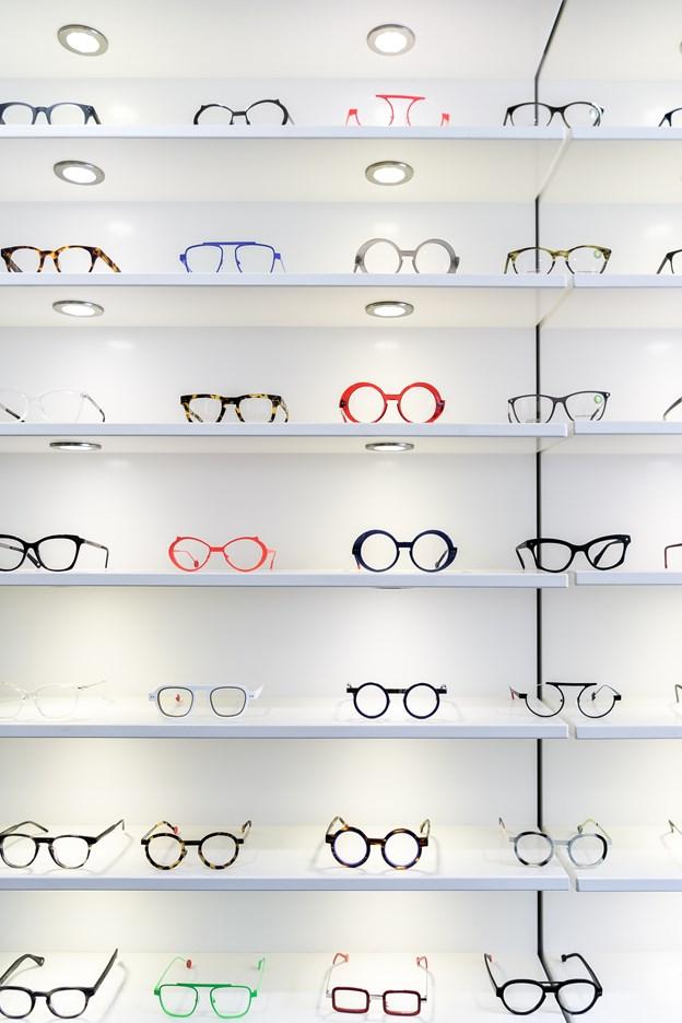 Anderledes brille i lange baner.