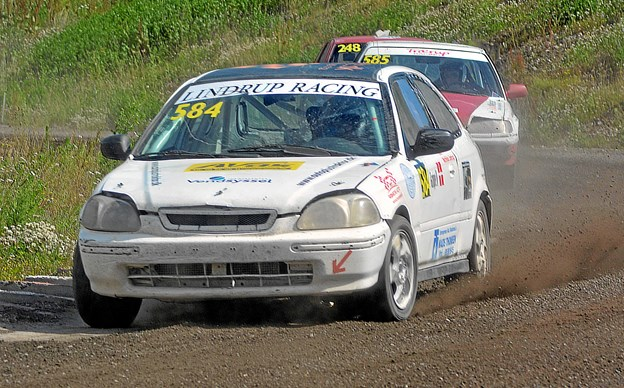 Mathilde Lindrup pønser på DM-guldet i den serienære 1,6 liters klasse i rallycross.