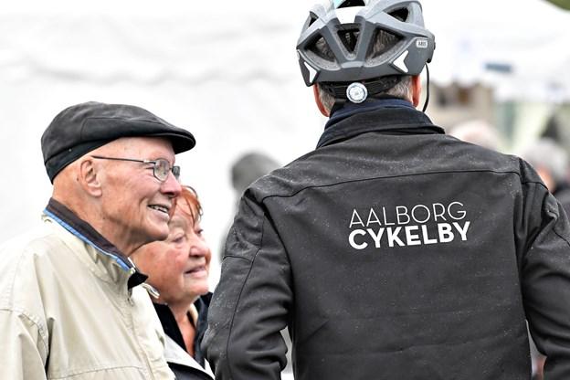 Tidligere borgmester Kaj Kjær var også mødt op for at se paraden.