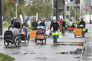 Familiecontainere cykler grøn uge i gang