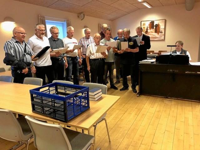 40 ville synge med mandskoret