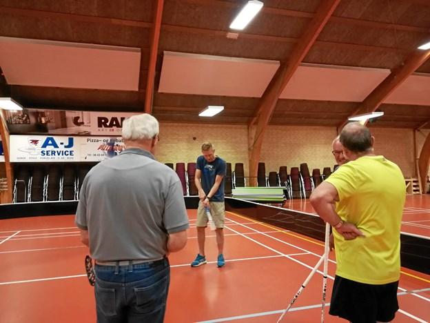 Floorball er en ny aktivitet i Ældre Sagen. Privatfoto
