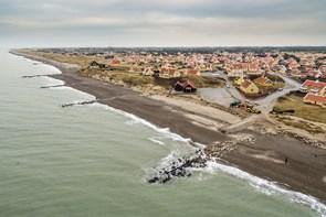 Får ny kystbeskyttelse fra på mandag