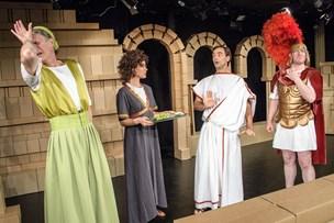 Pyyha: Teater reddet på stregen