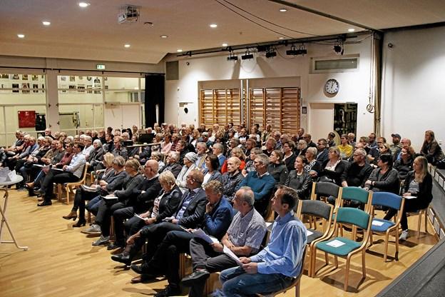 140 personer viste stor interesse for at deltage i borgermødet vedr. ny læge på Thyholm. Foto: Hans B. Henriksen