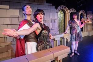 Tys-tys: Ingen vil fortælle hvorfor teater i Hobro får lov at leve