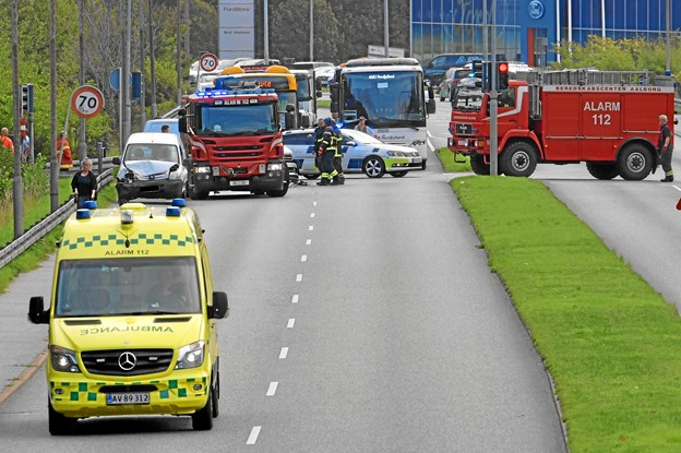 Biler stødte sammen: Motorvejsafkørsel spærret