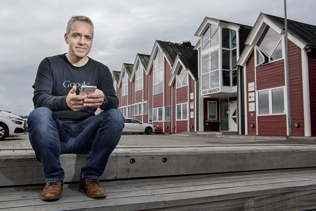 Hadsund-firma er magnet for unge IT-nørder: - Vi bliver snart dobbelt så mange