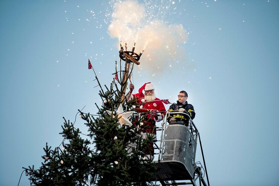 Godt nyt til de julebegejstrede: Se hvornår træet bliver tændt