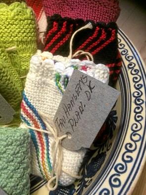 Cafe Havblik sælger strikkede karklude