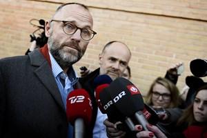 19 kendisser havde forlangt erstatning fra Henrik Qvortrup i Se og Hør-sag, men den sag droppes nu.