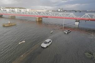 Oversvømmelse i Aalborg: Parkerede biler stod i vand