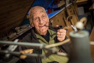 94-årige Sander: - Jeg lever i dødens forgård - og her må gerne ryges