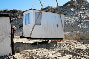 Stor oprydning efter Knud: Rester af badehuse fundet to kilometer væk