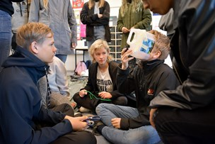 Anderledes skoledag i Støvring: Elever dissekerede grise og lavede propeller