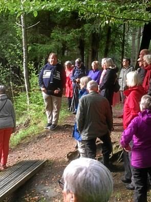 Soropotimisterne på tur til Rold Skov blandt vandrehistorier og jordfaldshuler