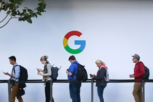 Google skabte et historiske gennembrud, da søgemaskinen i 1998 åbnede internettet for brugerne, mener lektor.